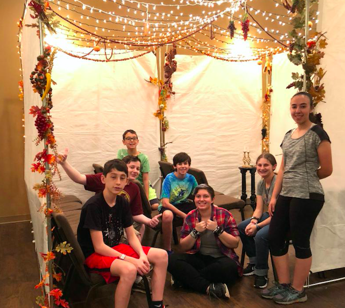 sukkot.decorating.2018